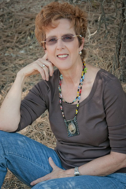 Mary Ellen Merrigan of Mary Ellen Beads Albuquerque talks about Maker Creativity.